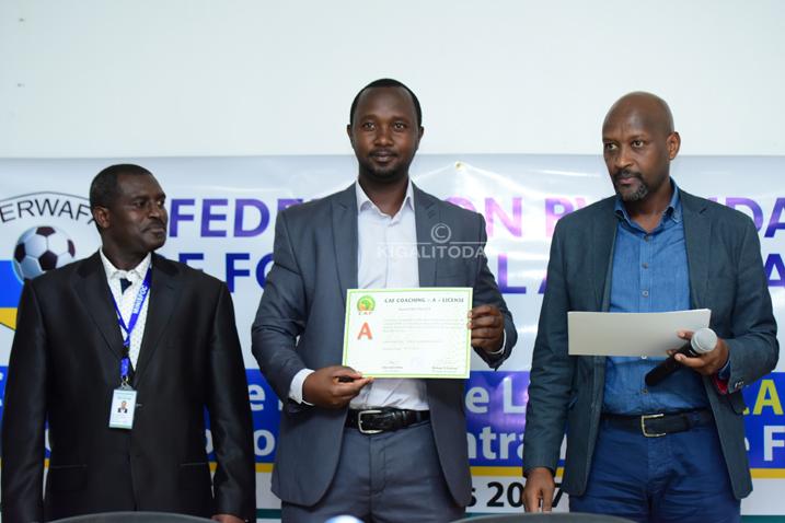 Mu myaka itatu Amavubi ntazongera gutozwa n'umunyamahanga- Perezida wa FERWAFA #Rwanda via @kigalitoday