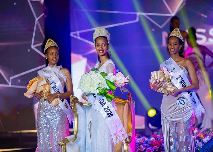 Miss Nishimwe Naomie (hagati) n