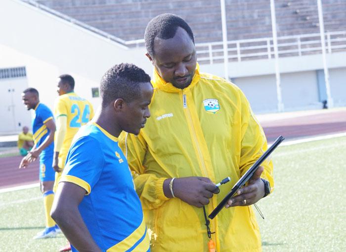 Umutoza Mashami Vincent nawe yatangaje ko ibyangombwa byabonetse, hasigaye ko CAF ibyemeza ubundi agakina