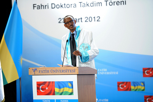 Perezida Kagame ageza ijambo ku banyeshuri ba Kaminuza ya Fatih