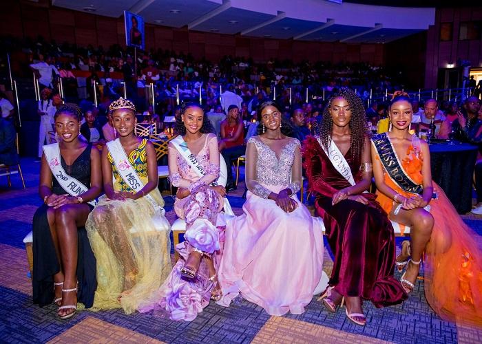 Ibirori byo gutora Miss Rwanda 2020 byitabiriwe na ba Miss bo muri bimwe mu bihugu bya Afurika (Photo:Internet)