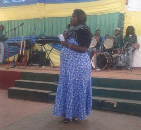 Perezida Kagame yahaye Orchestre Amis des Jeunes ibikoresho bya muzika
