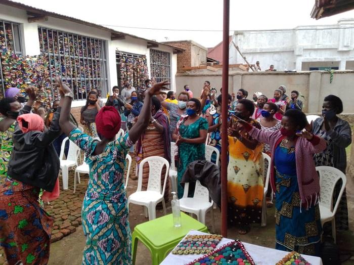 Abagore bafashwa na Rwanda Women
