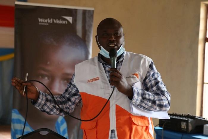 Frank Muhwezi, umukozi ushinzwe gukurikirana ibikorwa by