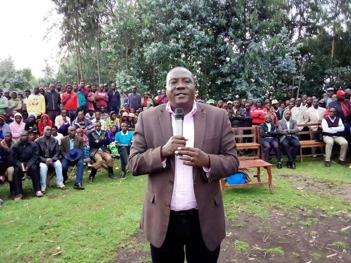Guverineri Gatabazi yahumurije abo baturage abasaba kuba maso no kugira uruhare mu kwicungira umutekano