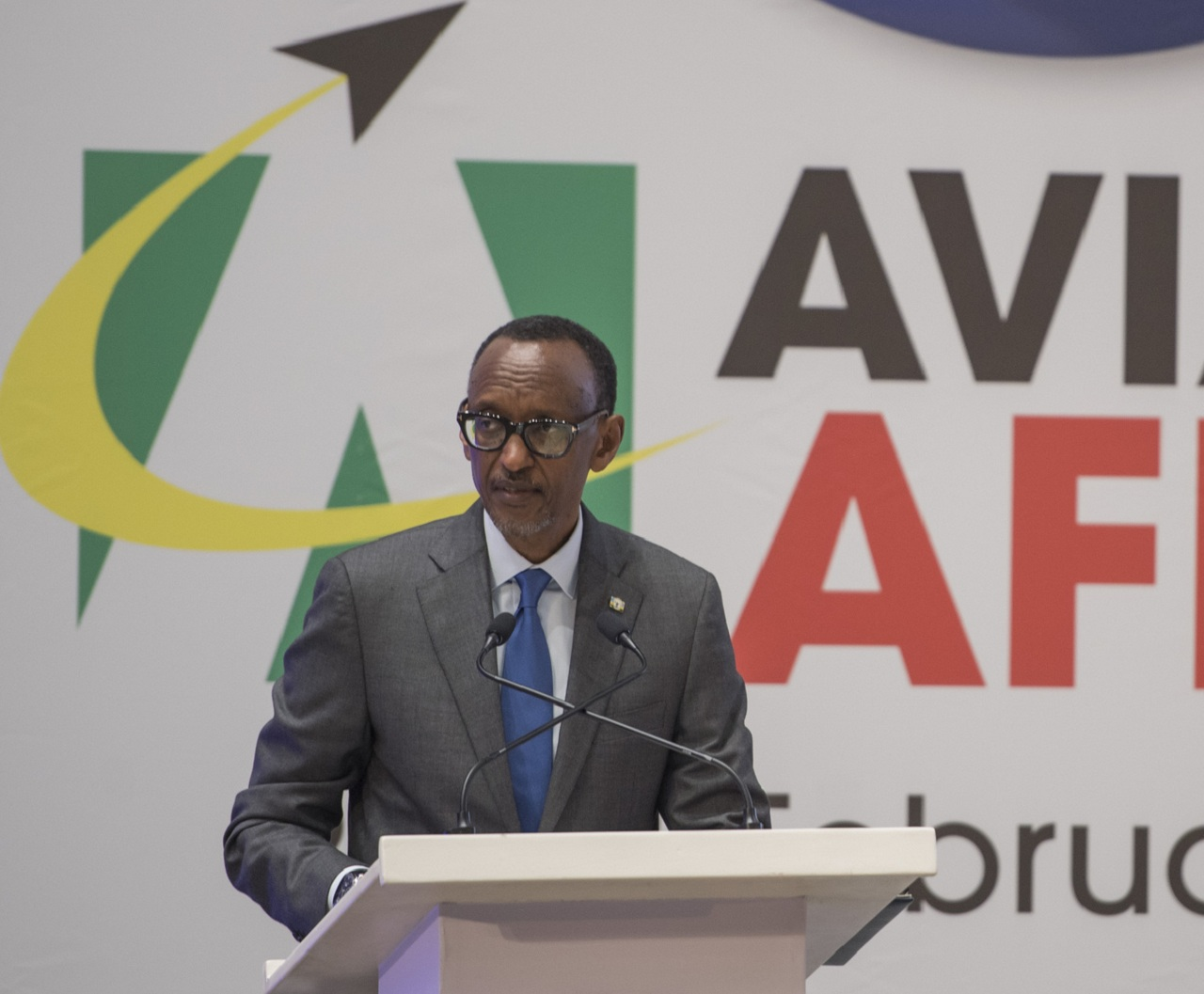 Perezida Kagame yihanganishije ababuriye ababo mu mpanuka ya