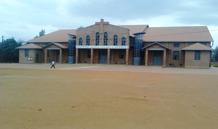 Parowasi Gatolika ya Nyamata ifite ibwiriza ryo guha uruhushya rwanditse umukirisitu wabo ugiye gutaha ubukwe mu rindi dini