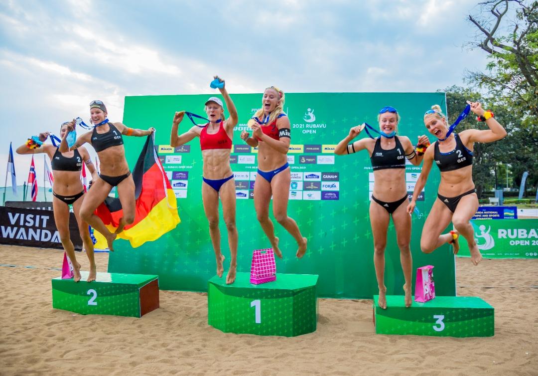 Beach Volley: Abanyamerika bihariye imidari ya zahabu-Amafoto