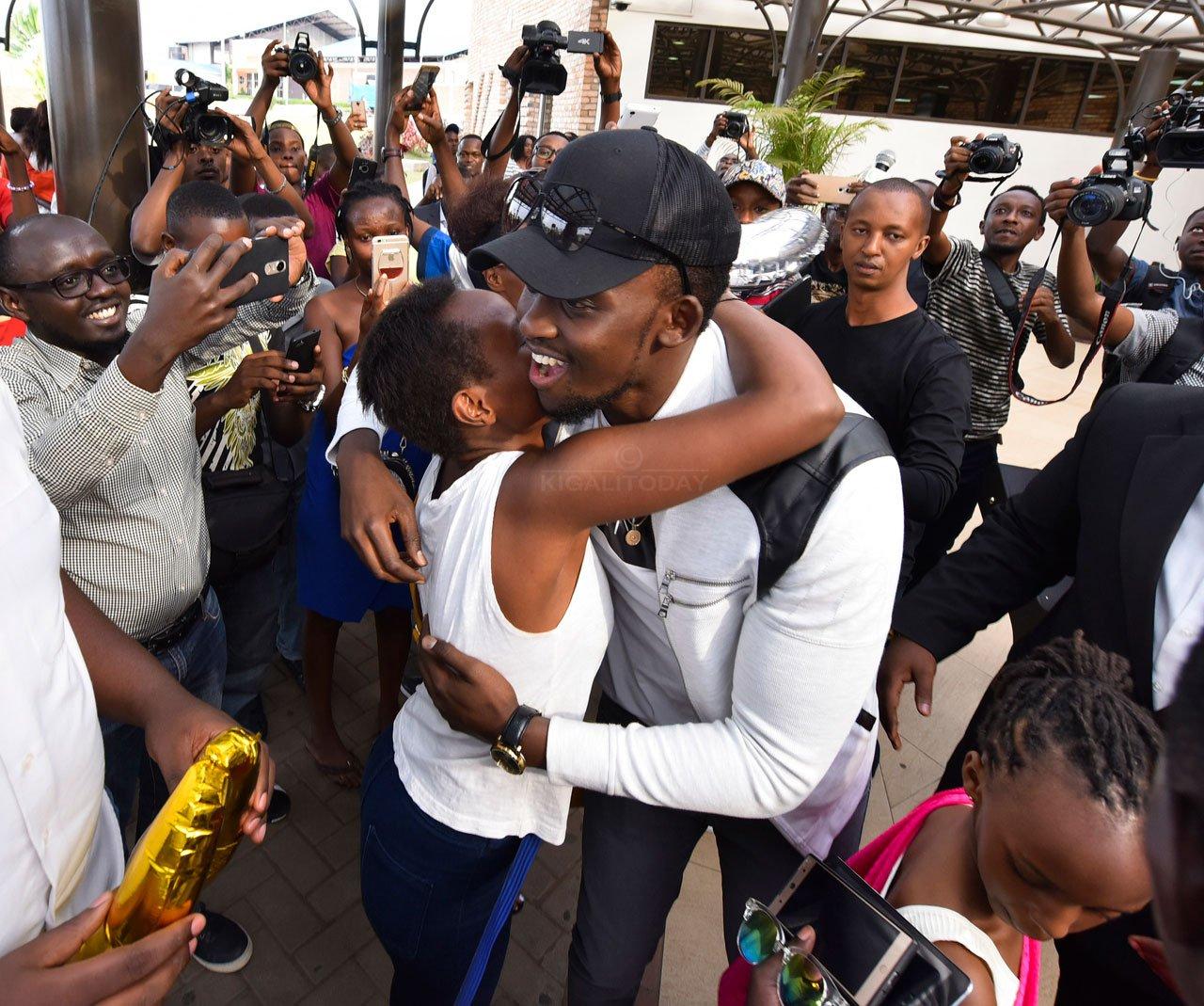 Reba Amafoto Ya Meddy Ubwo Yageraga Mu Rwanda Kigali Today