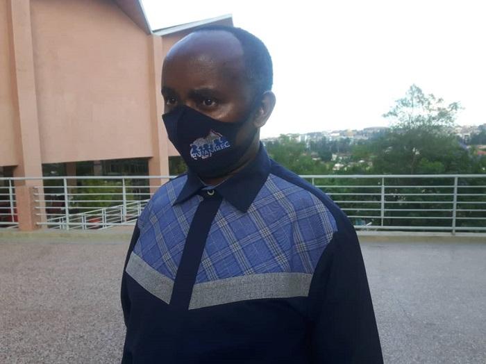 Rutayisire Fidèle, Umuyobozi Nshingwabikorwa wa RWAMREC aramagana abantu bakoresha izina igishegabo bavuga umugore cyangwa umukobwa uharanira uburenganzira bwe