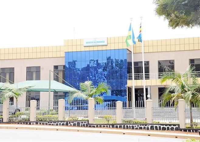 Muhanga: Abakozi 41 bamaze gusezera ku kazi - Kigali Today