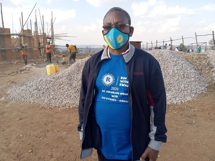 Musenyeri Ngendahayo avuga ko kwirinda Covid-19 ari ko kwikunda no gukunda abandi