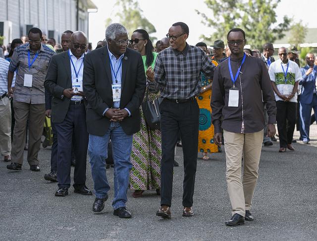 Nyakubahwa, mfite igitekerezo cy'uburyo twarushaho guteza imbere urwego rw'ubuvuzi
