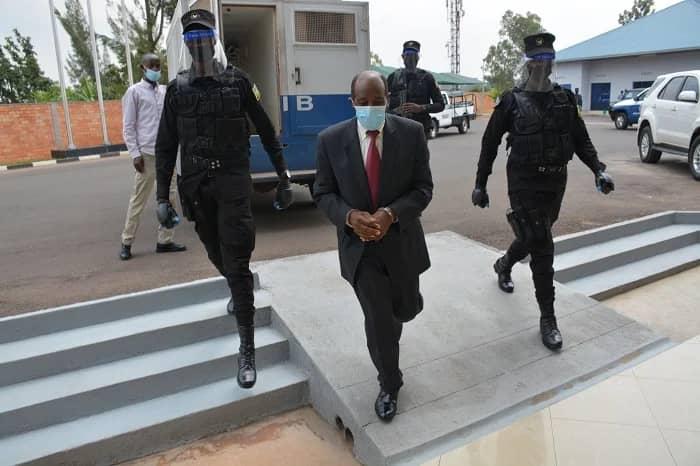 Paul Rusesabagina aherutse gutabwa muri yombi. Arashinjwa ibyaha birimo kurema no kuyobora ihuriro ry