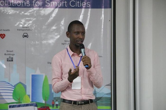 Victor Muvunyi yasobanuye akamaro ko gukoresha robots rigezweho